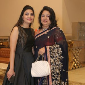 Vastu Expertise Possessors, This Mother-Daughter Duo Literally Have A Star Connection!