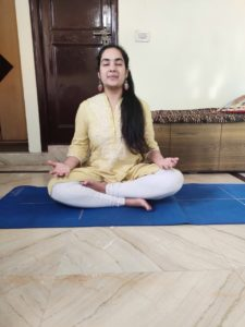 Shreya Kansal practicing Sheetali Pranayam