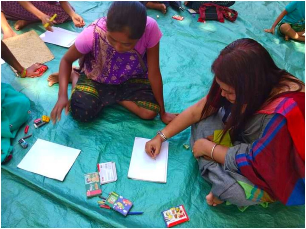 Ananya Teaching Art to Tribal Women